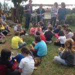 Genitori e bambini del catechismo a Marechiaro